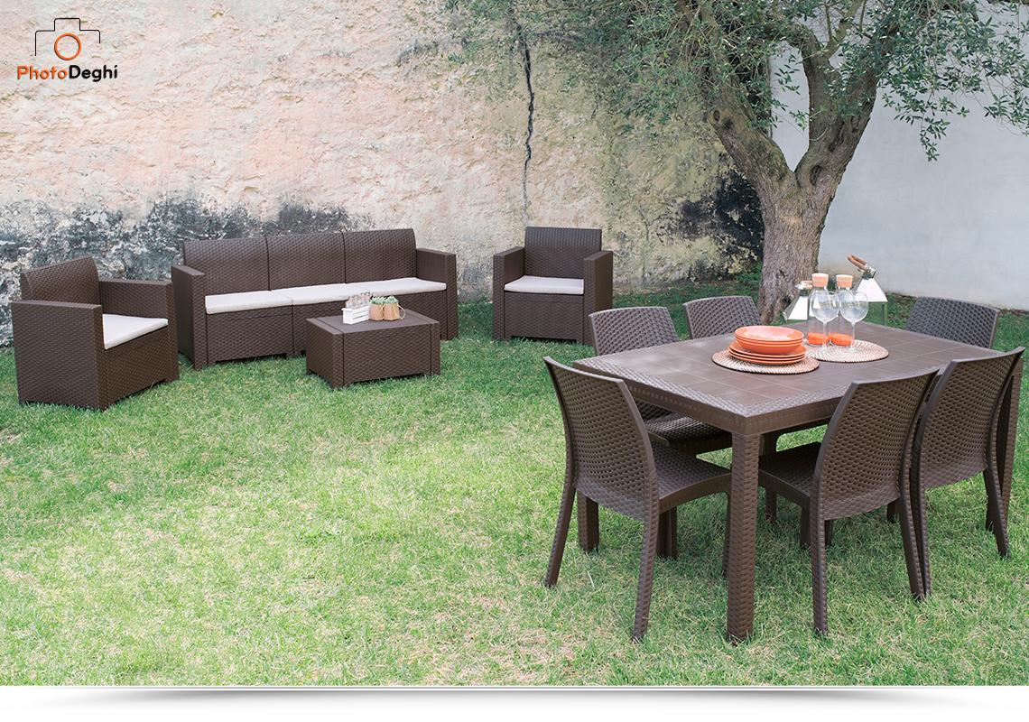 Tavolo rettangolare in resina 150x90 marrone con sei sedie ...